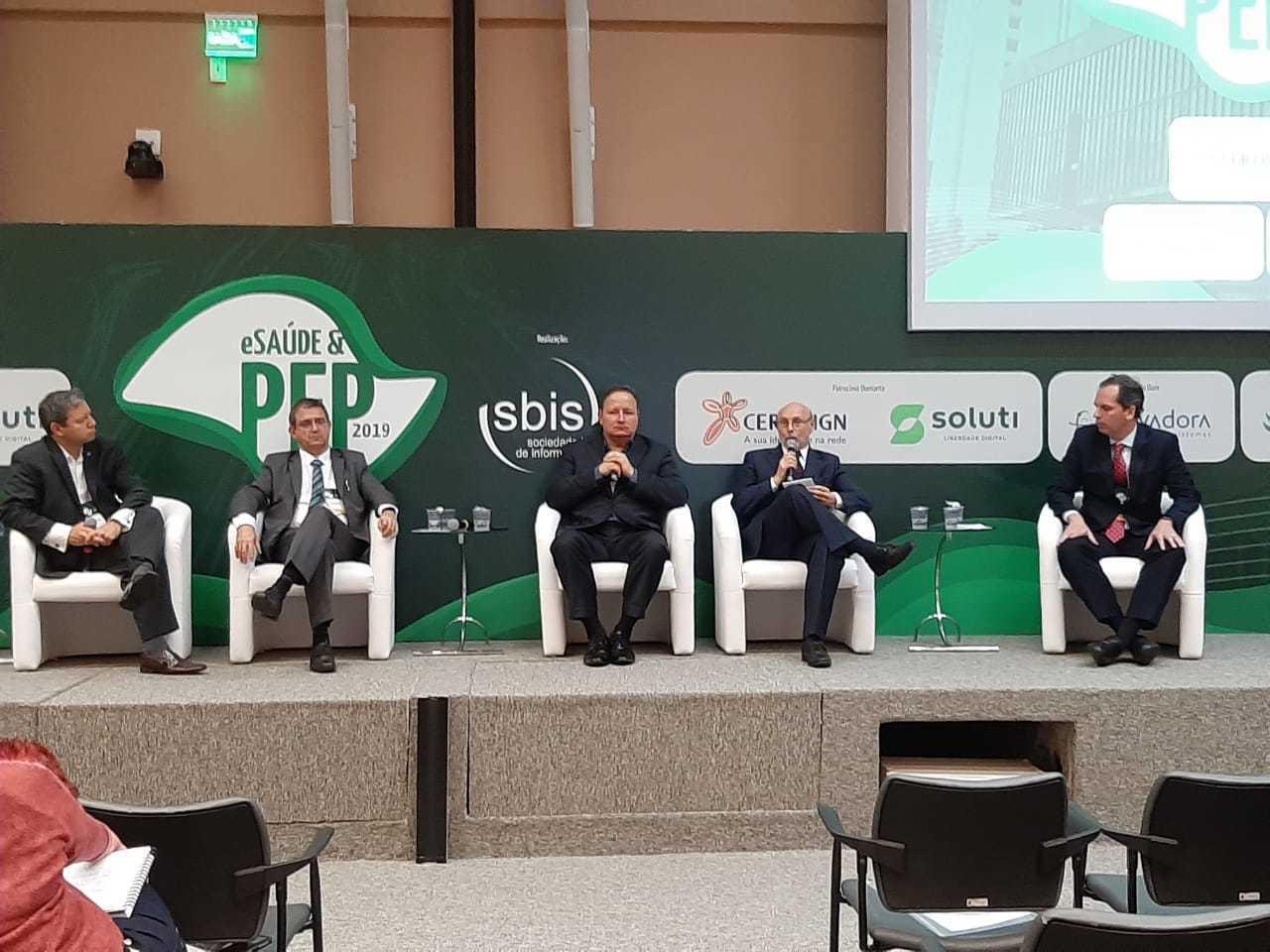 Abramed participa de debate sobre certificação digital