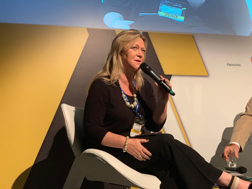 """""""O Brasil precisa escalonar suas prioridades"""", diz Cláudia Cohn"""