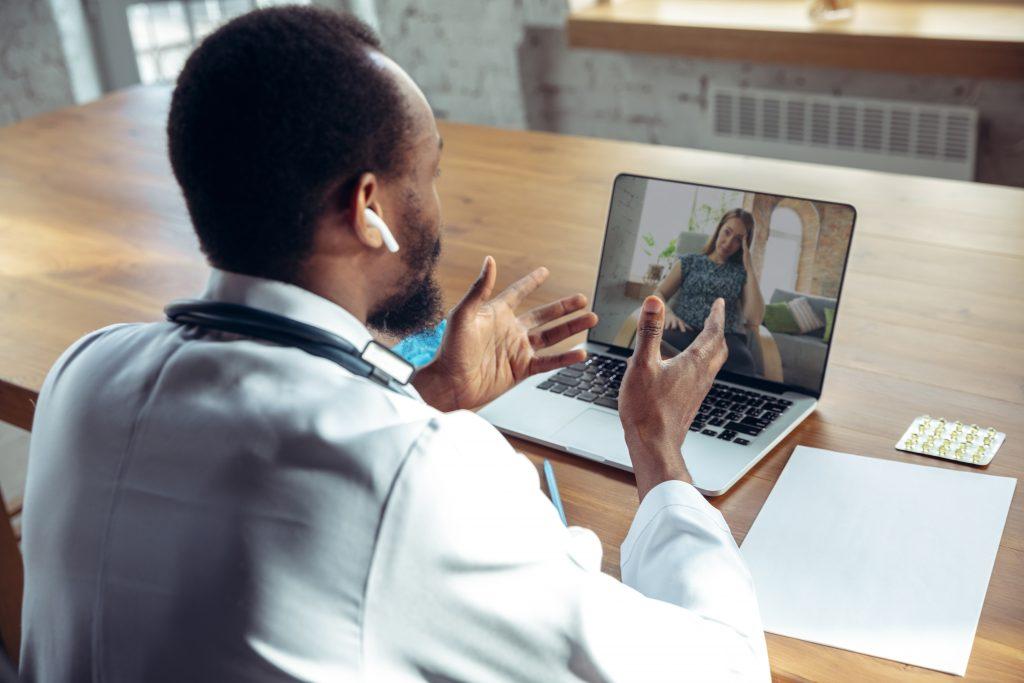 Telemedicina exige regras para garantir atendimento e segurança dos dados