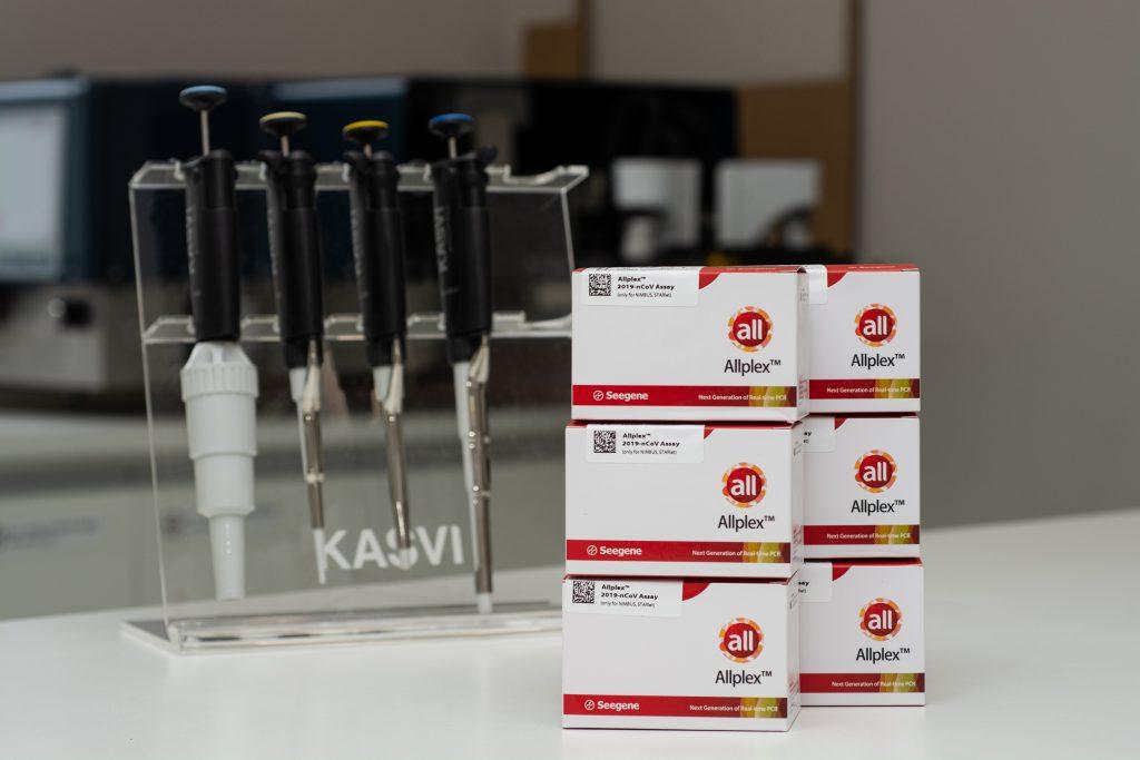 Com adequação da demanda de testes para COVID-19, Brasil investe em novos laboratórios para processamento das amostras
