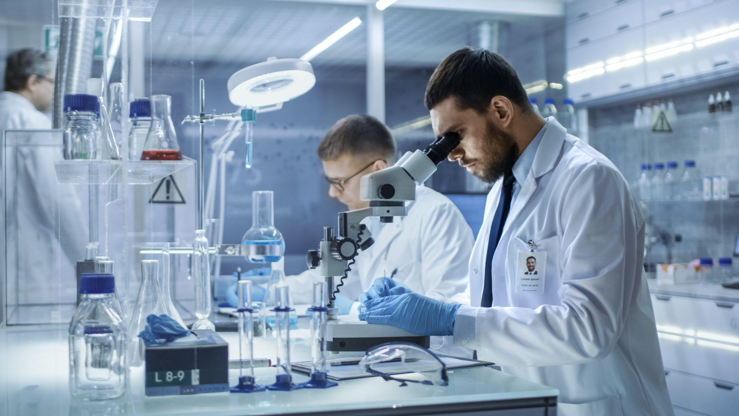 Lideranças da saúde debatem estratégias de enfrentamento ao novo coronavírus em webinar promovido pelo FIS